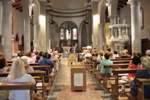 Interno della parrocchia di Sant'Ermete