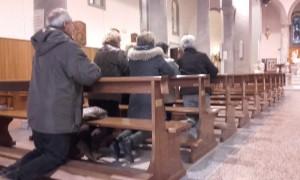 Momento di preghiera in S.Ermete prima di iniziare il servizio