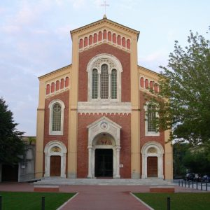 Chiesa Vittoria Apuana