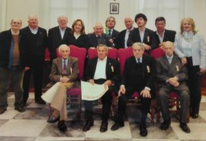 Alcuni membri della Fondazione durante la consegna delle medaglie commemorative ai vecchi consiglieri