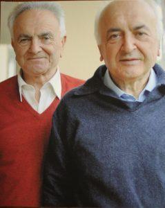 Vando D'Angiolo, a sinistra, con il fratello monsignor Danilo