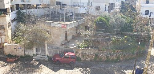 Il luogo del futuro centro polivalente a Damour